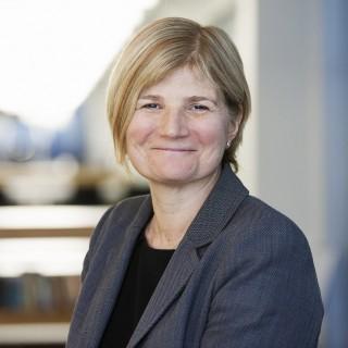 Julia Cavanagh